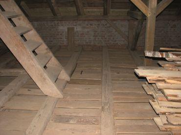 Remont stropu drewnianego