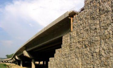 Walory architektoniczne jako kryterium doboru ścian oporowych